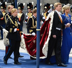 King Willem-Alexander - patent leather shoes (TBTAOTW2011) Tags: old man black men leather businessman daddy shoe shoes king dad dress tie lord business suit master mature older patent