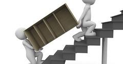"""Etwas hinauftragen. Ein Regal eine Treppe hinauftragen. • <a style=""""font-size:0.8em;"""" href=""""http://www.flickr.com/photos/42554185@N00/26977732264/"""" target=""""_blank"""">View on Flickr</a>"""
