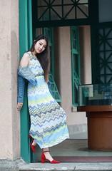DP1U0227 (c0466art) Tags: light portrait girl beautiful smile face female canon pose nice eyes asia pretty action sweet outdoor gorgeous goddess taiwan joan figure lovely charming elegant wu  1dx c0466art