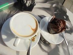 060 (en-ri) Tags: muffin cappuccino tavolino bar sony sonysti cibo food