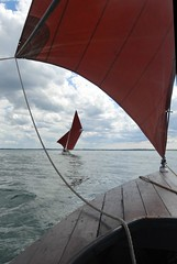 Sjgte perspective (Jaedde & Sis) Tags: sailing sjgt boat frame perspective cille friendlychallenges challengegamewinner challengefactorywinner unanimous thechallengefactory thumbsup
