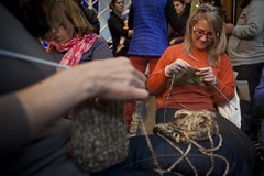 Encuentro de tejedoras en el Museo del Traje (Ministerio de Cultura de la Nacin) Tags: ministeriodeculturadelanacin museonacionaldelahistoriadeltraje tejedoras encuentro lana aguja manos mujeres