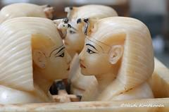 Kings head (konde) Tags: art chest tomb goddess 18thdynasty hieroglyphs valleyofthekings ancientegypt tutankhamun alabaster tutankhamon cairomuseum newkingdom canopic kv62