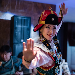 mongolische Tnzerin 1x1 (swissgoldeneagle) Tags: dancer mongolia d750 mn ulaanbaatar 1x1 ulanbator mongolian mongolei tnzerin mongolische mongolisch  taenzerin   ethniczorigoo