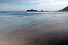 _ITA3827 (Edson Grandisoli. Natureza e mais...) Tags: praia mar areia morro santinho mar regiosul