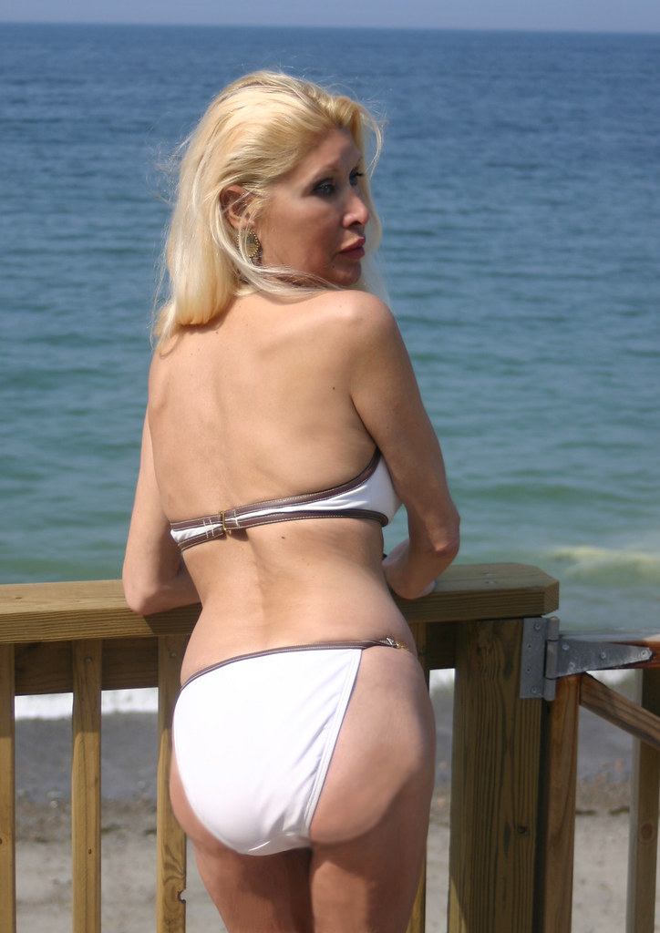 mature women with tanlines