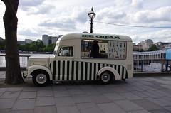 IMGP2966 (Steve Guess) Tags: uk england london truck southbank commercial icecream gb morris van lambeth dsl844