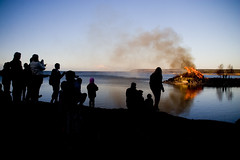 The annual bonfire (DavidAndersson) Tags: people fire evening spring sweden silhouettes celebration bonfire valborg eld vnersborg walpurgisnight tamron18200f3563 skrckleparken