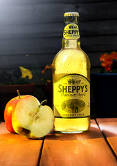 sheppys (warren marc photography) Tags: cider alcohol apples productphotography commercialphotography offcameraflash ctogel warrenmarcphotography