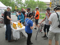 Bike to Work Day fuelling station, Manhattan Bridge (wrightrkuk) Tags: chinatown manhattanbridge transportationalternatives biketoworkday2013