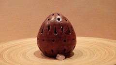 Ceramic Egg (Theen ... busy) Tags: pink pierced sculpture brown art ceramic 3d artist printer handmade patterns egg samsung bamboo holes carve helen clay handcrafted quartz platter masseuse theen scupltor flickrandroidapp:filter=none