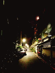 (Travailler) Tags: night alley taipei            uploaded:by=flickrmobile colorvibefilter flickriosapp:filter=colorvibe