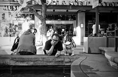 @ Santa Monica (_GreenPepper_) Tags: california street blackandwhite bw white black apple 35mm magazine photography photo imac fuji photographer santamonica finepix fujifilm streetphoto x100 photoprapher silverefexpro2 fujifilmx100 fujix100