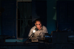 Late in the Evening (Peter Nijenhuis) Tags: man evening working vietnam hoian late metalworking lathe ef50mmf14usm 60d