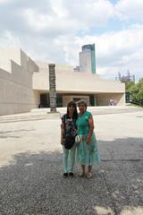 Museo Rufino Tamayo (Carlitos) Tags: park parque woman sarah mom mexico mujer mexicocity df bosque northamerica irene abi madre ciudaddemexico chapultepec federaldistrict miguelhidalgo norteamerica museorufinotamayo