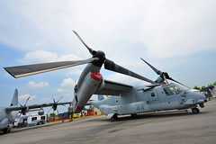 USAF MV-22 Osprey @ Singapore Airshow 2014 (j-imaging) Tags: show industry us singapore asia technology aircraft aviation air center exhibition airshow helicopter event commercial changi usaf trade osprey biennial global aerospace rotor 2014 mv22