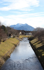 Bernau (CA_Rotwang) Tags: mountains alps bayern bavaria berge bach alpen fluss chiemsee chiemgau lriver {vision}:{outdoor}=098 {vision}:{mountain}=088
