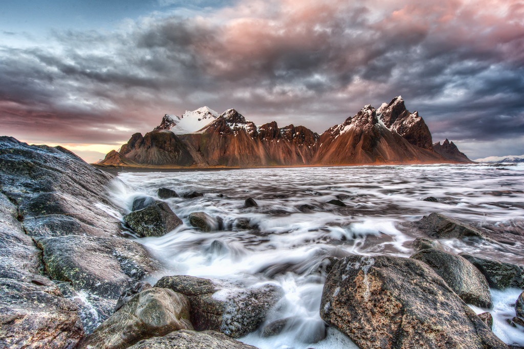 Another shot from Vesturhorn with the clouds forming perfectly above the mountain top.