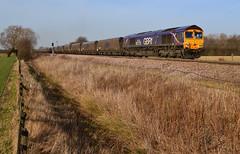 Howay The Lad (Feversham Media) Tags: yorkshire freighttrains northyorkshire sheds sunderland class66 valeofyork sunderlandfc gbrf 66725 littlefenton fentonlanecrossing