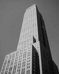 Empire State Building (Maciek Lulko) Tags: nyc newyorkcity usa newyork architecture skyscraper nikon skyscrapers esb empirestatebuilding architektura contemporaryarchitecture historicarchitecture sigma1020 architecturephotos nikond7000 architectureicons