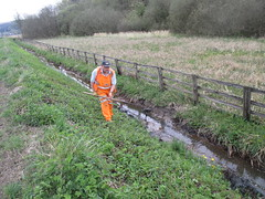 Andy clears the lineside ditch near the advance starter signal 4May14