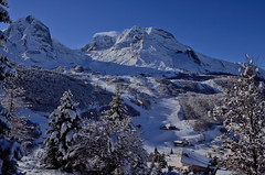 Gourette (KamoHeel) Tags: winter mountain snow gourette