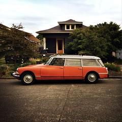 DS (smashr) Tags: seattle orange automobile ballard citroends citroendssafari hipstamatic
