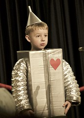 the young Tin Man (Pejasar) Tags: tinman wizardofoz broadway play boy child tin performance tulsa oklahoma