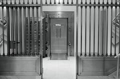 Apple Store, Madison Ave. NYC. (setpower1) Tags: minoltahimatic9 trix kodaktrix kodakd76 bw 35mmfilm rangefindercamera vintagefilmcamera newyorkcity nyc applestore