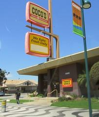 Anaheim, Calif. (Dan_DC) Tags: california sign orangecounty anaheim googie cocos midcentury harborboulevard
