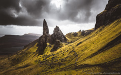 Old man of Storr (Steffen Walther) Tags: uk travel light sky mountains skye green classic clouds trekking landscape highlands rocks shine outdoor path walk vibrant scenic naturallight rays isle oldmanofstorr storr canon1740l damatic vsco canon5dmarkiii fotografjena steffenwalther