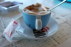Apulien (andreasdietrich477) Tags: italien sea sky italy sun beach coffee strand landscape eos meer wasser mare view outdoor kaffee aussicht cappuccino landschaft sonne apulia peschici apulien 550d weichgezeichnet mittlerequalitt mittlerequalitt