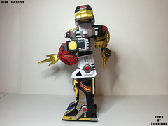 IMG69_1296 (ThanhQuan_95) Tags: dragon tiger legendary warrior mode legacy thunder mega bandai megazord zord tigerzord