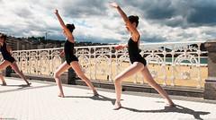 un syncronized (Oneras) Tags: dance dancing dancer bailarina piernas legs donostia cute pretty thigh thighs calf calves
