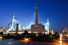 Oliver Bruns-7.jpg (oliverbruns) Tags: night high dusk uae mosque iso abudhabi abu dhabi highiso