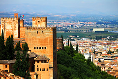 IMG_9238Ax (kanizfotolio) Tags: castle canon lens eos spain europe flag hill landmark alhambra granada kits 500d