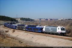 Llegando a Ciempozuelos (Pasku Fuenla) Tags: madrid espaa trenes spain nikon trains porta coches 253 renfe operadora mercancas d3000