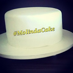Produções.... 🎂🍫🍰😋❤ #molindacake #cakedesign #cakeart #cakedecorating #cake #bolo #pastaamericana #candy #instacake #instacupcakes #passaros #divino #batizado #producao #sweet #whitecake #delicious #everythingwhite #r (Molinda Cake) Tags: boss cake pasta americana bolo bolos confeitados molinda