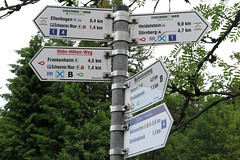 Rhnwanderung am 20.06.2016 (pilot_micha) Tags: deutschland germany bayern bavaria unterfranken rhngrabfeld rhn wanderung walking juni2016 2016 23062016 wegweiser birx thringen deu
