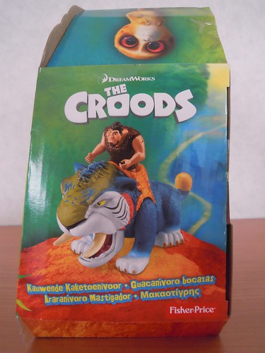 Fisher-Price DreamWorks The Croods Croodaceous Macawnivore in box