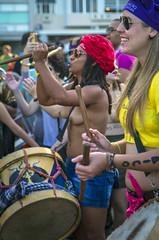 Marcha das Vadias (Luiz Baltar) Tags: brasil riodejaneiro rj sexo papa mulheres ipanema jmj aborto luta baltar feminismo passeata nudez religiao blackbloc blackblock ratão imagensdopovo luizbaltar marchadasvadias