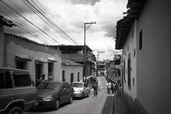Petare (rs) Tags: bw byn blanco walking lca venezuela negro caracas petare leors