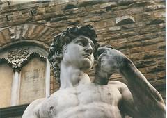 (sftrajan) Tags: 2001 italien italy sculpture florence italia replica escultura tuscany scanned firenze michelangelo copy florenz toskana piazzadellasignoria scultura palazzovecchio firelze
