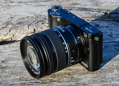 Samsung NX210 with 18-55mm f/3.5-5.6 OIS III lens (The Adventurous Eye) Tags: camera lens iii samsung 1855mm compact csc 210 ois nx f3556 mirrorless nx210