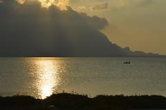 Nel mare, dall'argento all'oro (costagar51) Tags: italy italia mare sicily tramonti palermo isoladellefemmine bellitalia flickrsicilia rgspaesaggio regionalgeographicsicilia rgsmare rgsnatura panoramafotogrfico thebestofmimamorsgroups