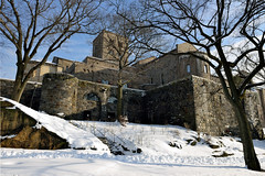 Castle Keep (Eddie C3) Tags: newyorkcity snow gardens parks metropolitanmuseumofart fttryonpark thecloisters nycparks cloistersmuseumandgardens