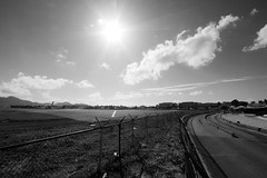 Runway 10 (Aidan Formigoni) Tags: canon rebel saintmartin stmartin caribbean february stmaarten runway pista maho sxm fevereiro sintmaarten caribe tncm mahobeach princessjulianainternationalairport princessjuliana t4i canont4i rebelt4i canonrebelt4i