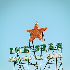 The Star Bar-Dining Room (Jeremy Brooks) Tags: usa bar star neon nevada elko elkocounty analogefexpro