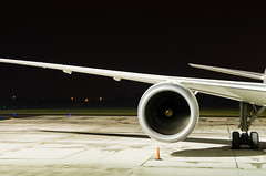 Boeing 787 Dreamliner (madrider512) Tags: night airport wind wing engine lot gear chopin boeing warszawa 787 lotnisko turbofan epwa dreamliner rollsroyceengine boeing787dreamliner