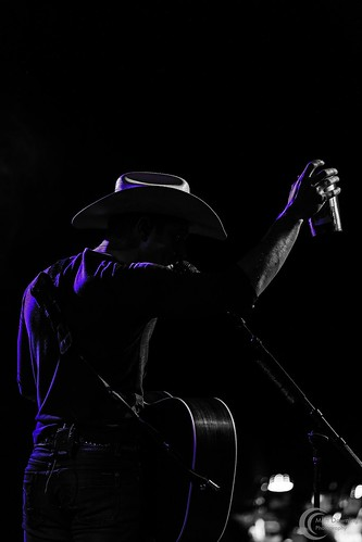 Dustin Lynch - November 28, 2014 - Sioux City